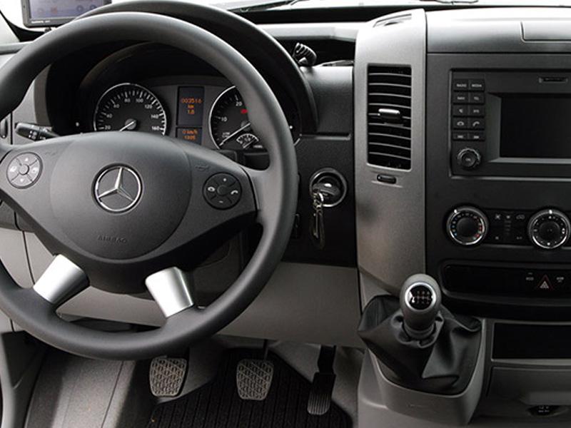 Mercedes Sprinter met lift